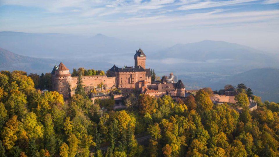 Vue aérienne château du Haut-Koenigsbourg drône