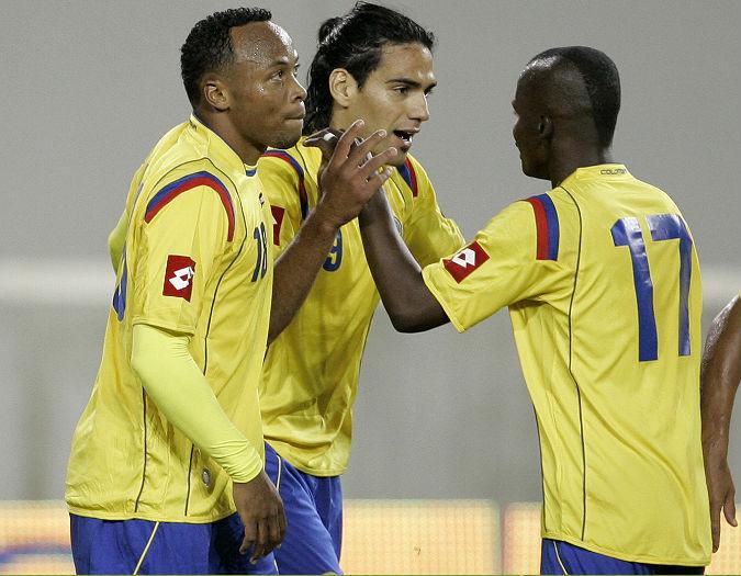 El delantero Radamel Falcao García marcó el único tanto con el que Colombia derrotó a Ecuador. - AP / Enlajugada