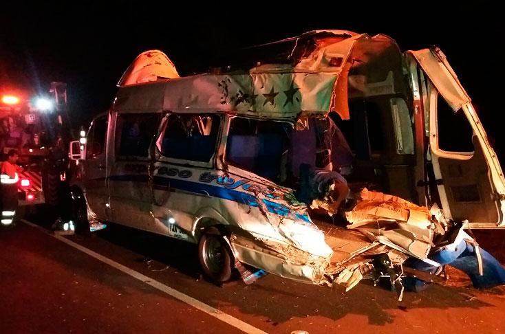 Tres muertos deja accidente de bus en la vía Buga - Guacarí