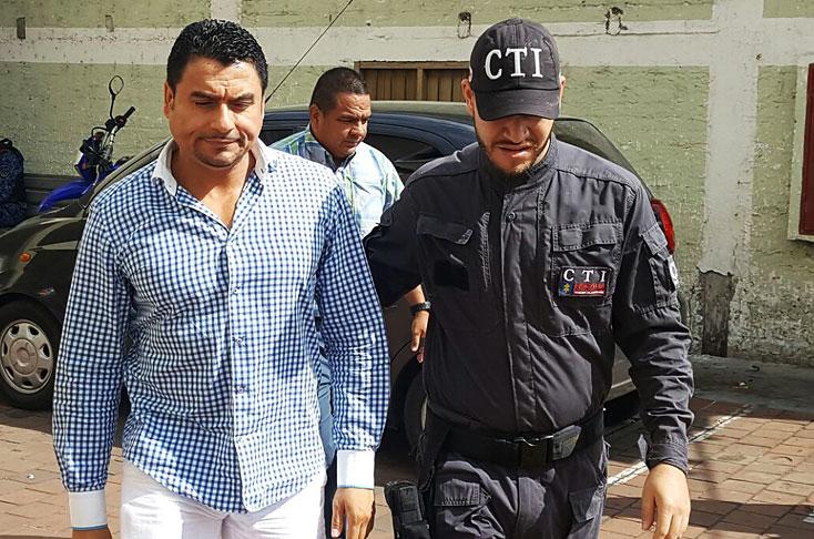 Alcalde de Riofrío se entregó por presuntas irregularidades en elección de personero
