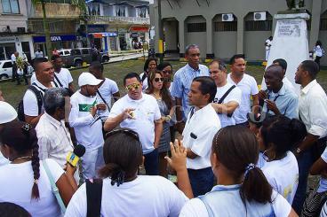 Periodistas de Buenaventura protestan por agresiones de la Policía