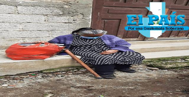 Desalmados arrendatarios desalojan a anciana