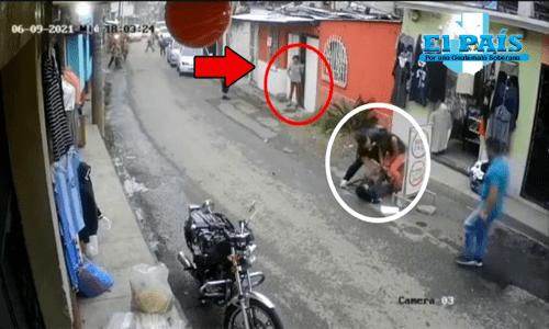 fotografía de un brutal ataque realizado por un perro hacia un niño