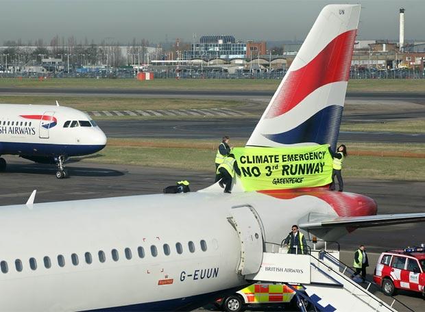 Prosteta en la cola de un avión