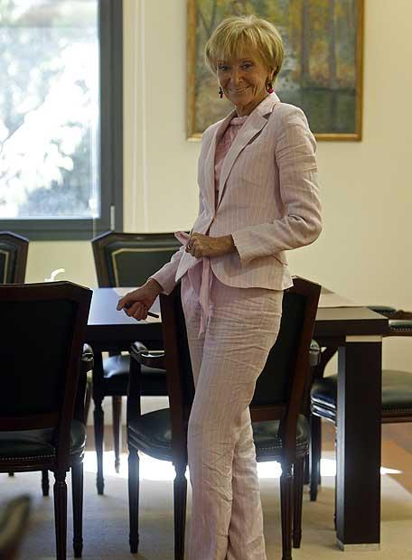 Maria Teresa Fernández de la Vega, en su despacho