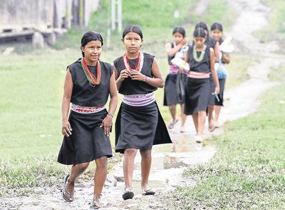 Mujeres y niñas de la comunidad indígena inga