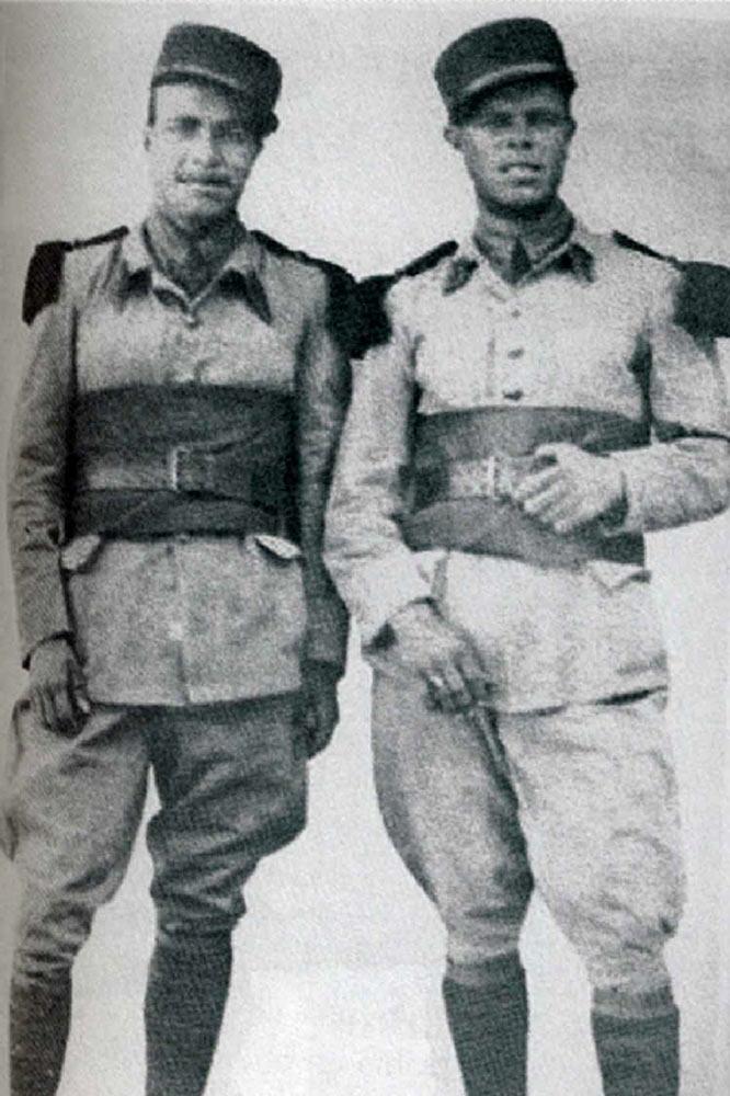 El légionnaire español Serapio Iniesta, a la izquierda, con otro compatriota enrolado en la Legión Extranjera, en 1940.