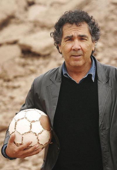 Hernán Rivera Letelier - Ampliar imagen