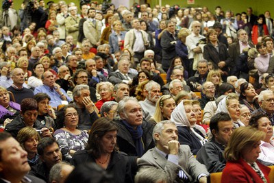 Multitudinario acto de apoyo a Baltasar Garzón en la Complutense
