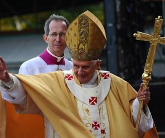 Saludos papales sagrada familia
