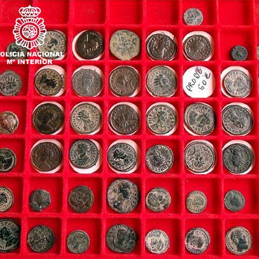 Monedas árabes y romanas