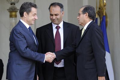 Francia reconoce al Gobierno rebelde libio