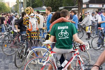 Los ciclistas toman las calles de Madrid