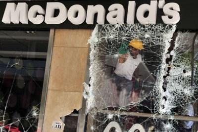 Decenas de heridos en la huelga de 48 horas de Grecia