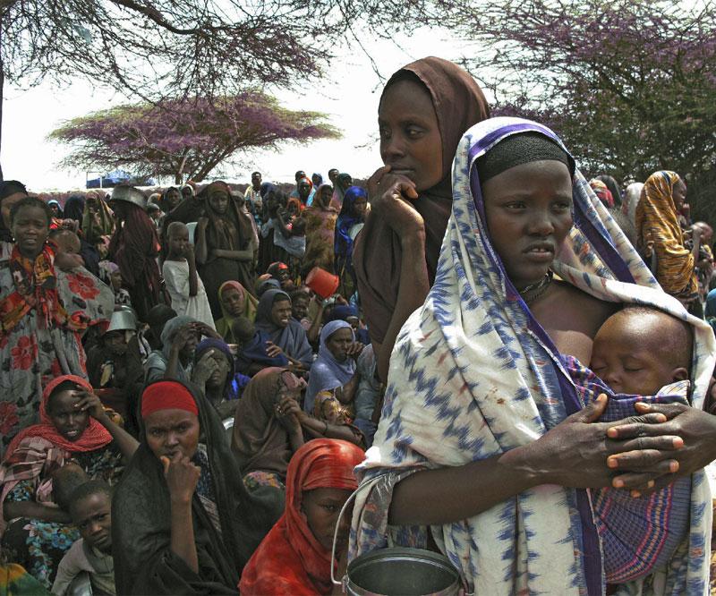 Mujeres y niños desplazados en Mogadiscio