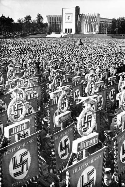 Desfile nazi durante la convención de Núremberg, en 1936
