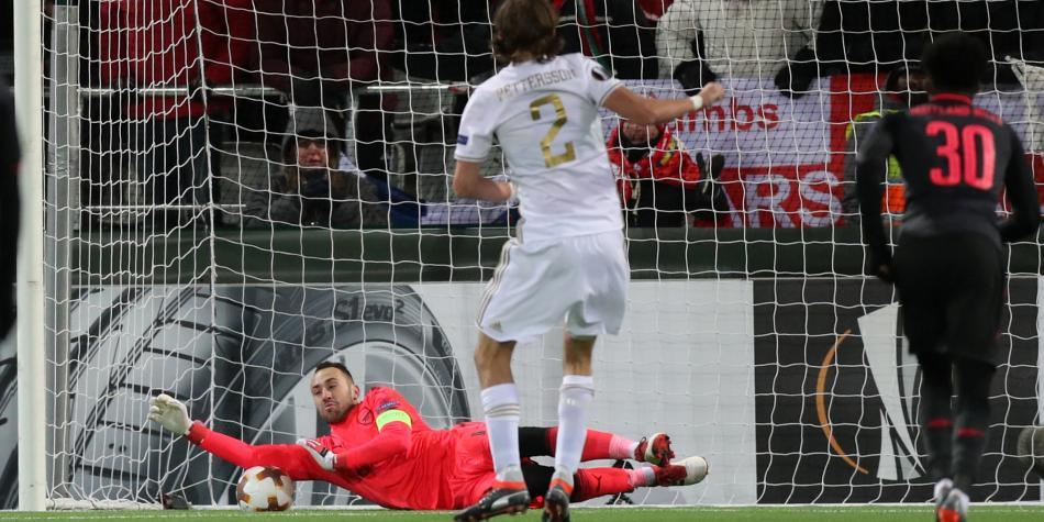 Wenger confirmó a Ospina para la final ante Manchester City