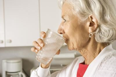 Proper Hydration in Older Adults - El Paso Chiropractor