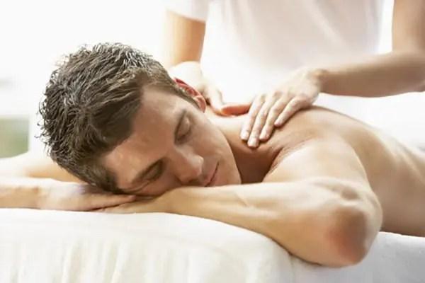 La quiropráctica y el masaje trabajan de la mano