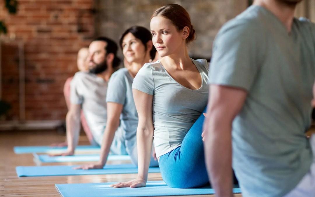 Come la combinazione di chiropratica e yoga può essere benefica per la tua colonna vertebrale