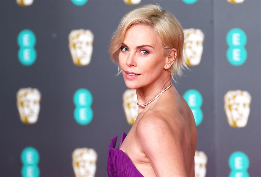 Charlize Theron asiste a la 73ª edición del British Academy Film Award en el Royal Albert Hall de Londres, Gran Bretaña, el 2 de febrero de 2020. La ceremonia está organizada por la Academia Británica de Artes Cinematográficas y Televisivas (BAFTA).EFE/EPA/NEIL HALL