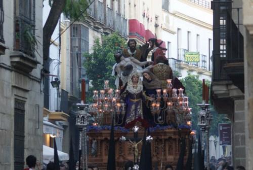La Sagrada Mortaja protagonista de la XLII Oración Poética de la Semana Santa