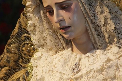 La Virgen del Amparo se hace por primera vez a las calles de Puertas del Sur en un Rosario Vespertino