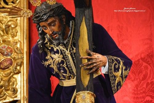 El besamanos extraordinario de la Hermandad de la Esperanza de Triana en imágenes