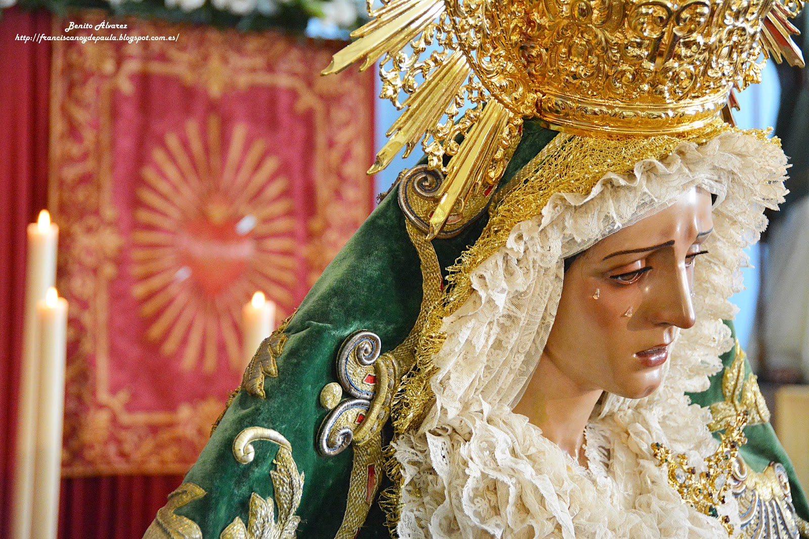 El besamanos a la Virgen del Amor de Pino Montano en imágenes