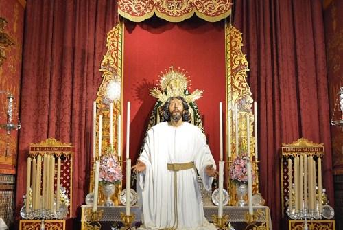 SEVILLA.- El besapiés al Señor de la Oración en el Huerto de Montensión en imágenes