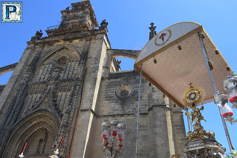 Cultos en la Sacramental de Santiago
