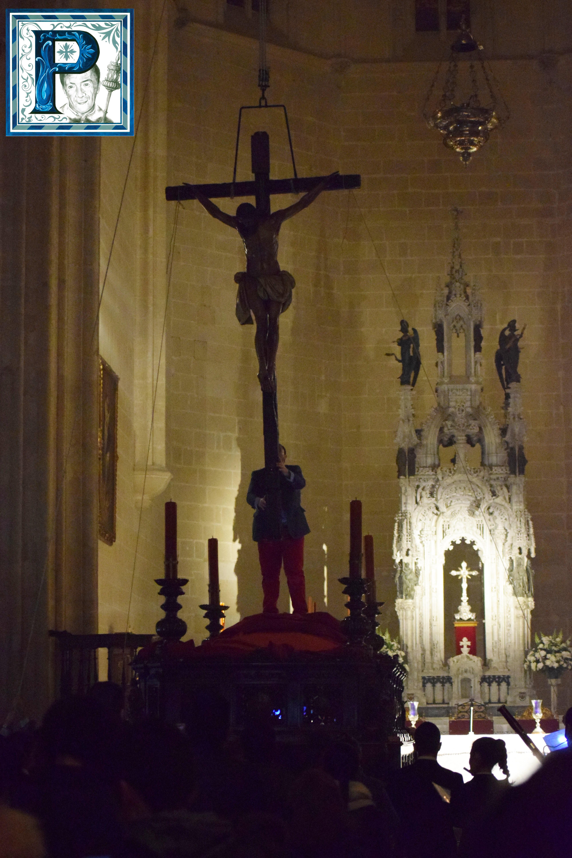 La subida al paso de los Titulares de la Hermandad de la Buena Muerte y el Vía Crucis del Cristo del Perdón desde el objetivo de Lucas Álvarez