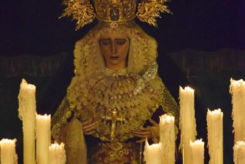 A PIE DE PASO: «La Virgen de la O en Plaza Peones y Carpintería Baja»