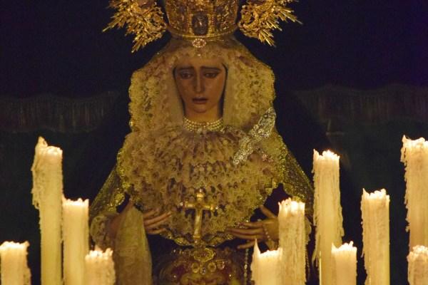 A PIE DE PASO: «Salida de la Virgen de la O»