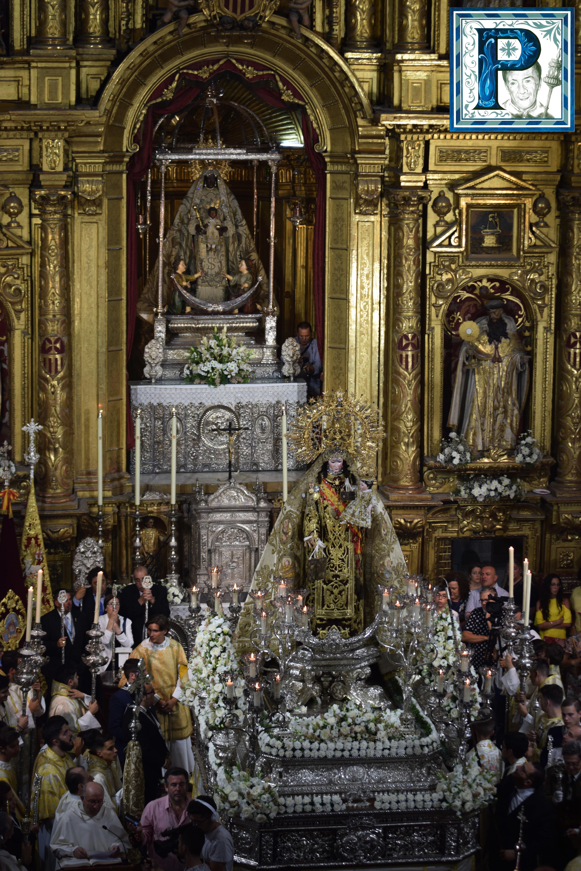 La procesión de la Virgen del Carmen desde el objetivo de Lucas Álvarez
