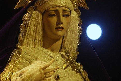 El Rosario Vespertino de Angustia de María desde el objetivo de Lucas Álvarez