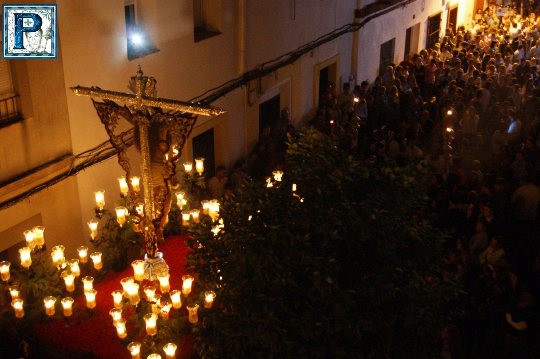 La procesión del Rosario del Beaterio y del Cristo desde el objetivo de Lucas Álvarez