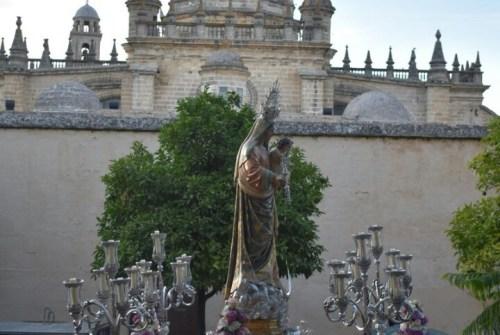 EN VIDEO: «Salida procesional de la Virgen del Rosario del Beaterio»