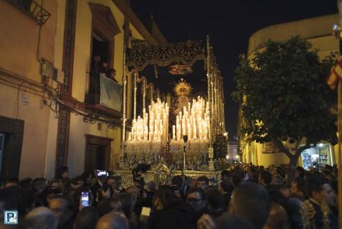 La Salida Extraordinaria de la Virgen de la Concepción Coronada desde el objetivo de Luis Serna