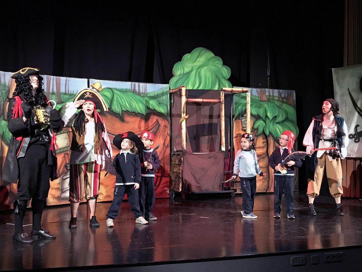 Los piratas cantan
