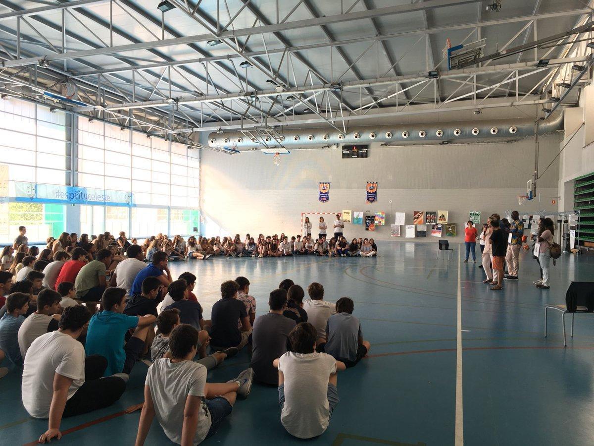Valencia Acoge, en la presentación a 3º en el polideportivo