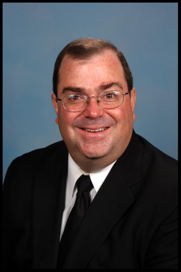 Michael McAward, Sm, Asistente General de Asuntos Temporales