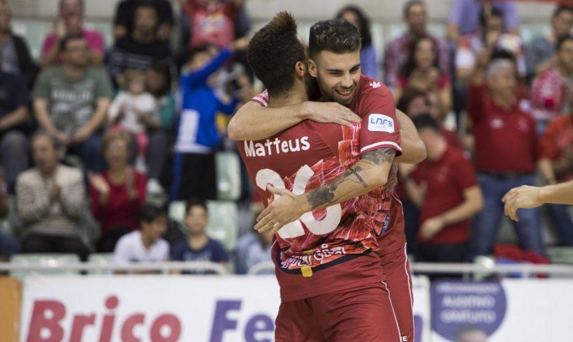 Crónica 9ª Jornada LNFS  ElPozo se alza con la victoria ante Santiago para seguir en la lucha de los primeros puestos