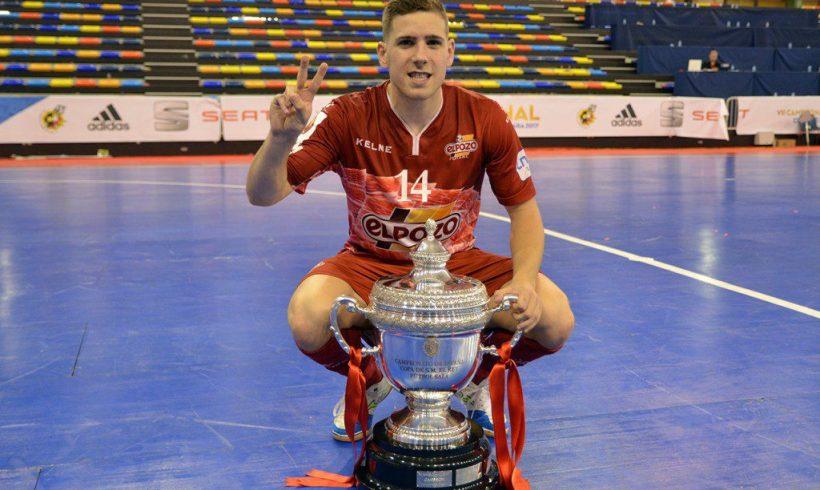 UMBRO Futsal Awards| Fernando elegido Mejor Jugador Joven del Mundo 2017