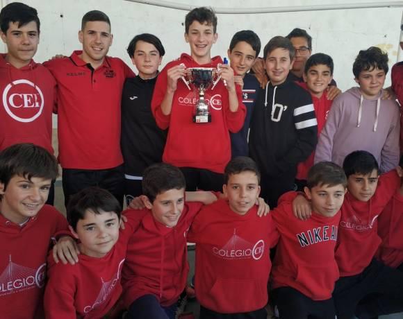 ElPozo al Cole con Bankia| Fernando y Darío comparten la jornada con los escolares del Colegio CEI