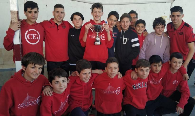 ElPozo al Cole con Bankia  Fernando y Darío comparten la jornada con los escolares del Colegio CEI