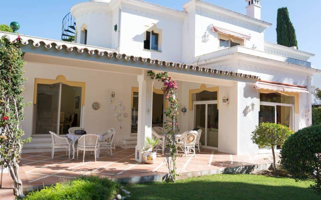 5 Bedroom Villa for Sale – 850,000€