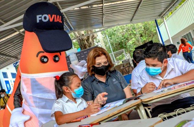 """Autoridades de Educación y Obras Públicas, inauguran la campaña """"Calles para la vida"""""""