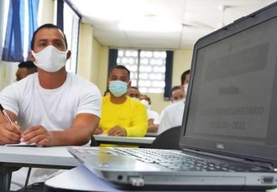 """Inauguran primer ciclo universitario para privados de libertad en """"Mariona"""""""