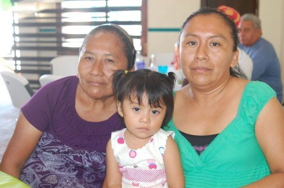 Maribel Pérez López,  Juventina López Pérez y Eunice Cruz Pérez